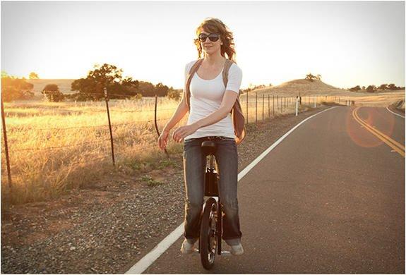 self-balancing-electric-unicycle-01