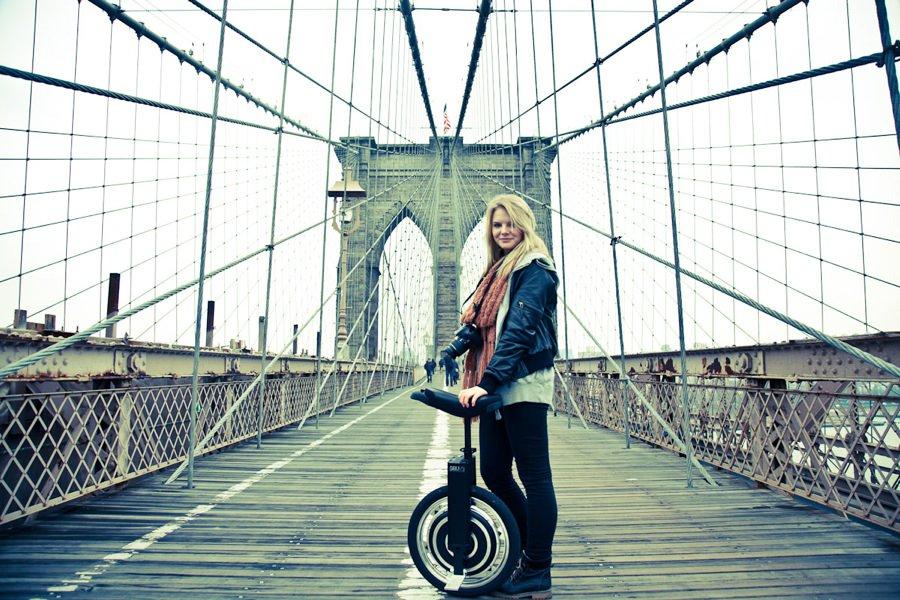 self-balancing-electric-unicycle-02
